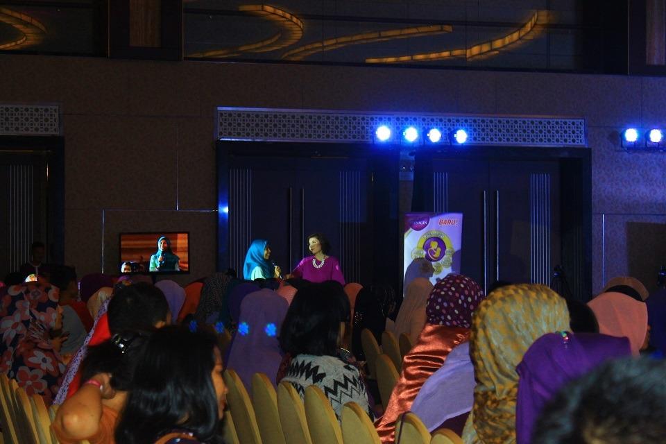 Peserta sedang bertanya dalam kegiatan PPEJ 2016