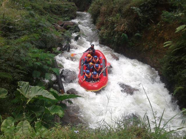 Melepas lelah dengan Rafting di Pangalengan2